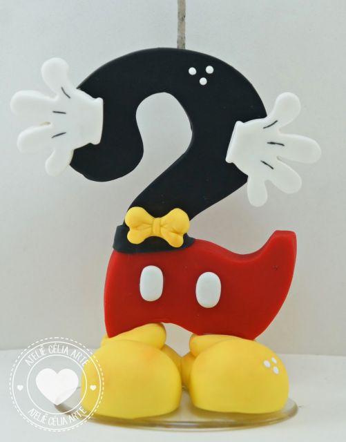 Vela de biscuit Mickey com formato do número 2