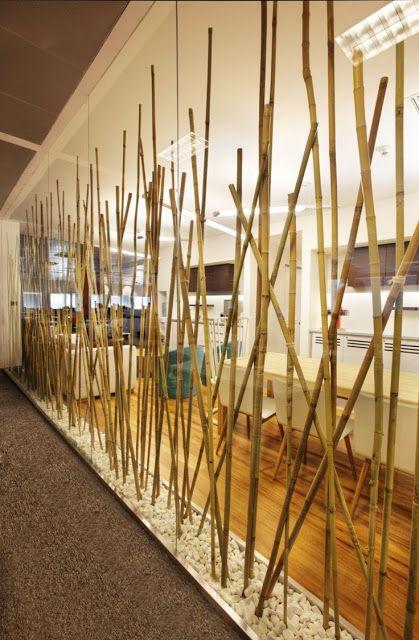 Linda divisória para sala criativa confeccionada em bambu