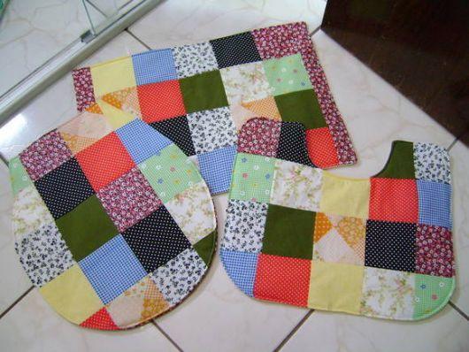 Kit de banheiro com tecidos bem coloridos