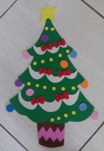Árvore de Natal de EVA para parede com laços vermelhos