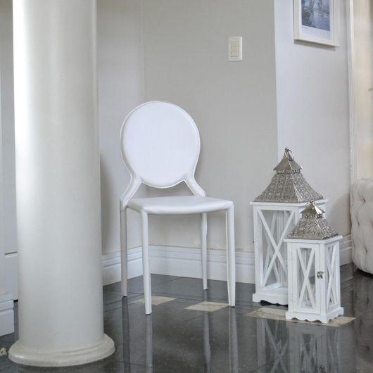 Cadeira medalhão branca moderna