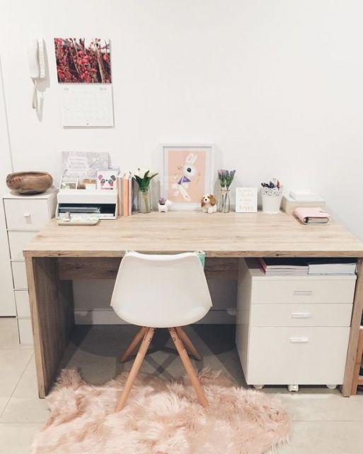escrivaninha de madeira