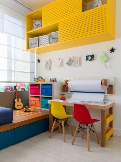 cadeira Charles Eames infantil