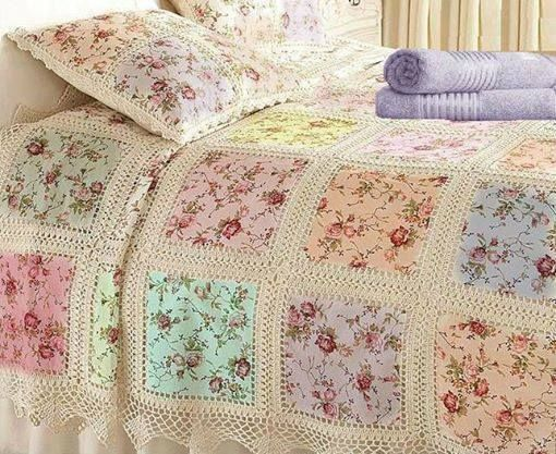 colcha de retalhos floridos com crochê