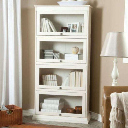 Pintar o móvel de branco ajuda a iluminar e modernizar o ambiente
