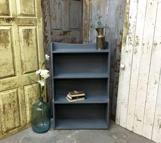 Ideia de estante pequena para por em varandas