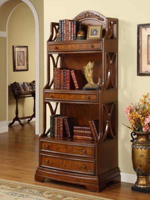Veja o poder que uma estante de madeira maciça antiga tem