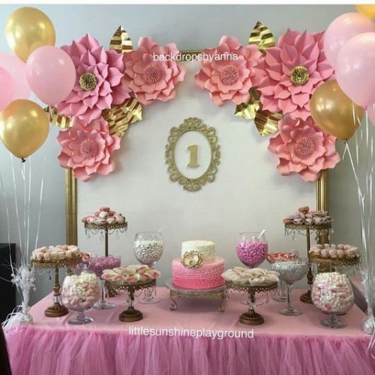 festa rosa e dourada