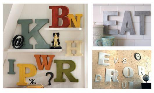 decoração com letras mdf coloridas.