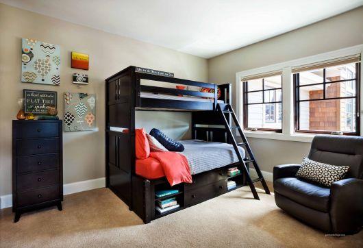 Veja ideia bacana de decoração de quarto de jovens com poltrona