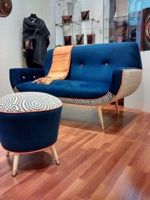decoração com sofá azul