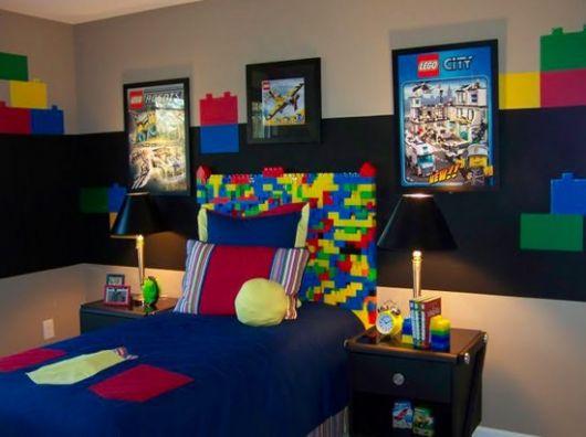 A organização também ajuda a valorizar a decoração do quarto!