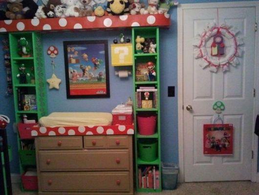 Para o quarto compartilhado, a beliche totalmente decorada no estilo geek!