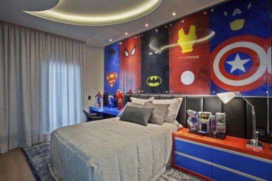 É fã de heróis? Não hesite em destacá-los na parede de seu quarto!