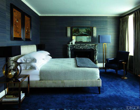 Ou então um carpete que cobre todo o quarto de casal