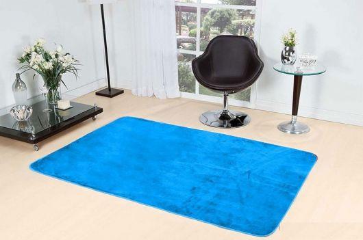 Você também pode optar por um tapete turquesa mais simples