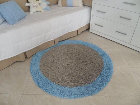 Ideia de tapete azul e cinza de crochê
