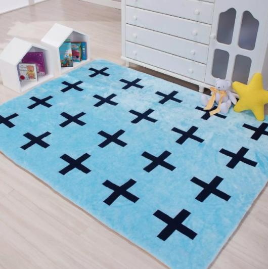 Ideia de tapete azul bebê com estampas