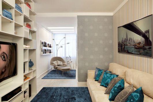 Combine o tapete com outros itens da decoração