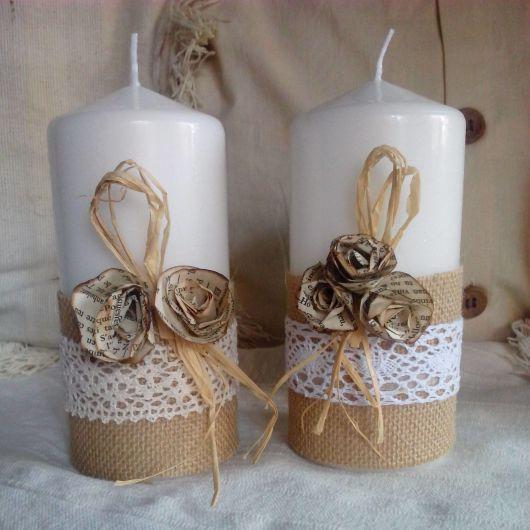 Vela decorada com juta, renda e fio de sisal