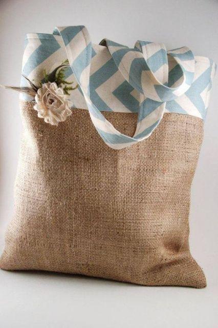 Bolsa de juta com tecido estampado
