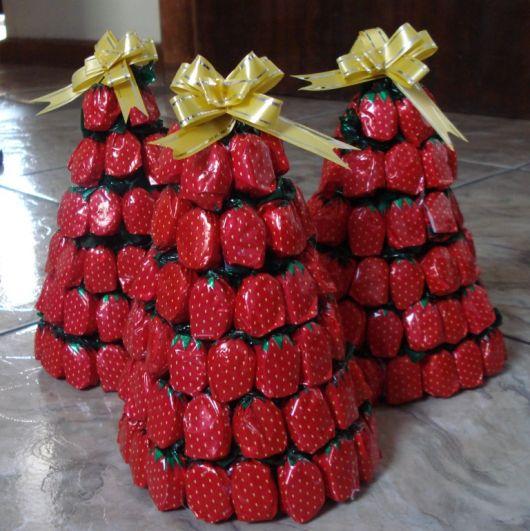 balas de morango arvore de natal