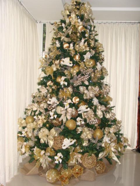 A árvore de Natal com laços é puro luxo!
