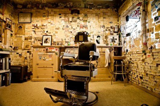 O aspecto antigo valoriza a decoração de sua barbearia retrô e deixa fiel à época que você deseja remeter