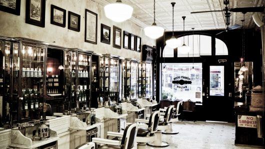 O espaço para o bar pode contar apenas com mobília clássica