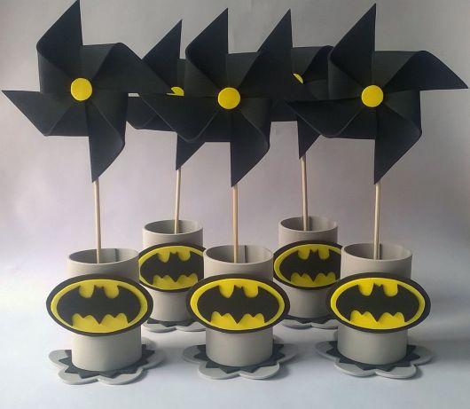 Que tal então esses cataventos para festa do Batman?