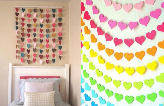 Coração de papel em decoração de quarto
