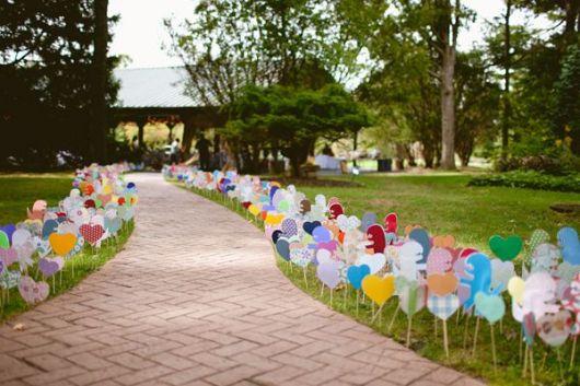 Coração de papel em decoração de casamento