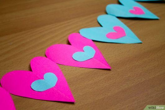 Como fazer coração de papel grudado rosa e azul
