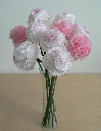 Como fazer flor de papel seda branca
