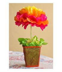 Como fazer flor de papel seda colorida