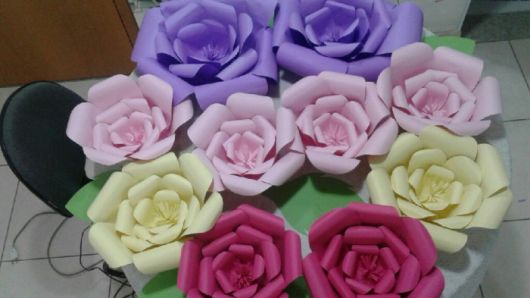 Como fazer flor de papel cartão lilás