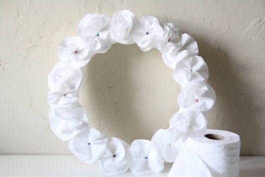 Como fazer flor de papel higiênico