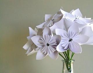 Como fazer flor de origami branca