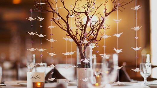 Decoração de casamento com tsuru na mesa