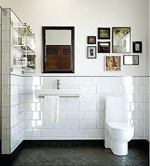 lavabo retrô com azulejo branco