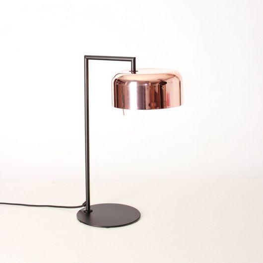Luminária rose gold perfeita para ambiente minimalista ou moderno