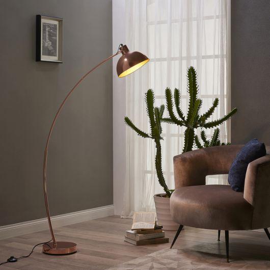Luminária de chão rose gold com design delicado