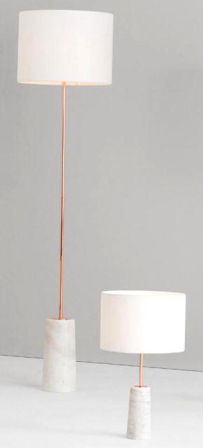 Veja a comparação da luminária de chão com a de mesa