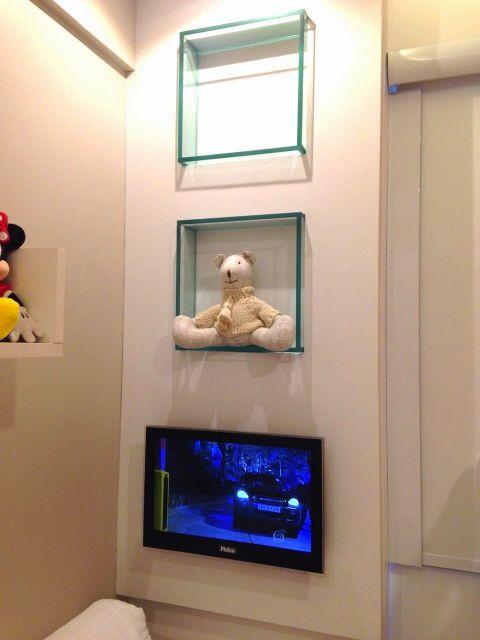 Ideia para usar os nichos para colocar objetos decorativos
