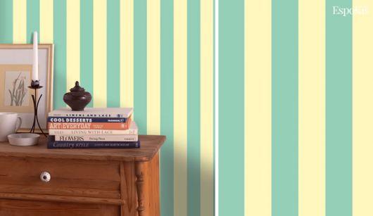 Listras verticais em azul e off-white