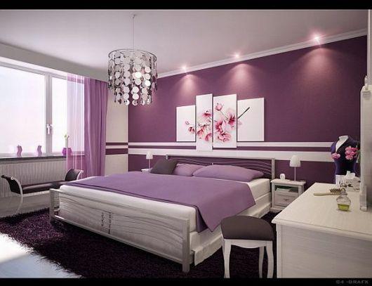 parede roxa em quarto de casal