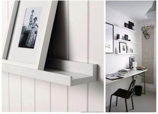 Dica de quarto minimalista com prateleira branca para quadros