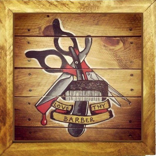 Quadro em madeira desenhado para decorar barbearia