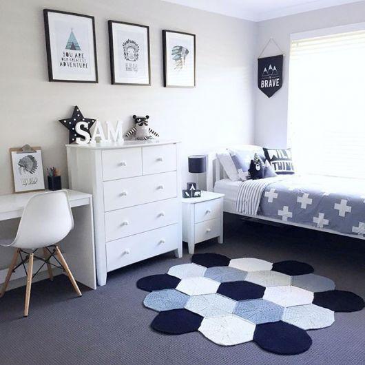 Projeto essencialmente harmônico e clean combinando branco, cinza e azul