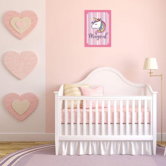 Decoração discreta de unicórnio para quarto de bebê